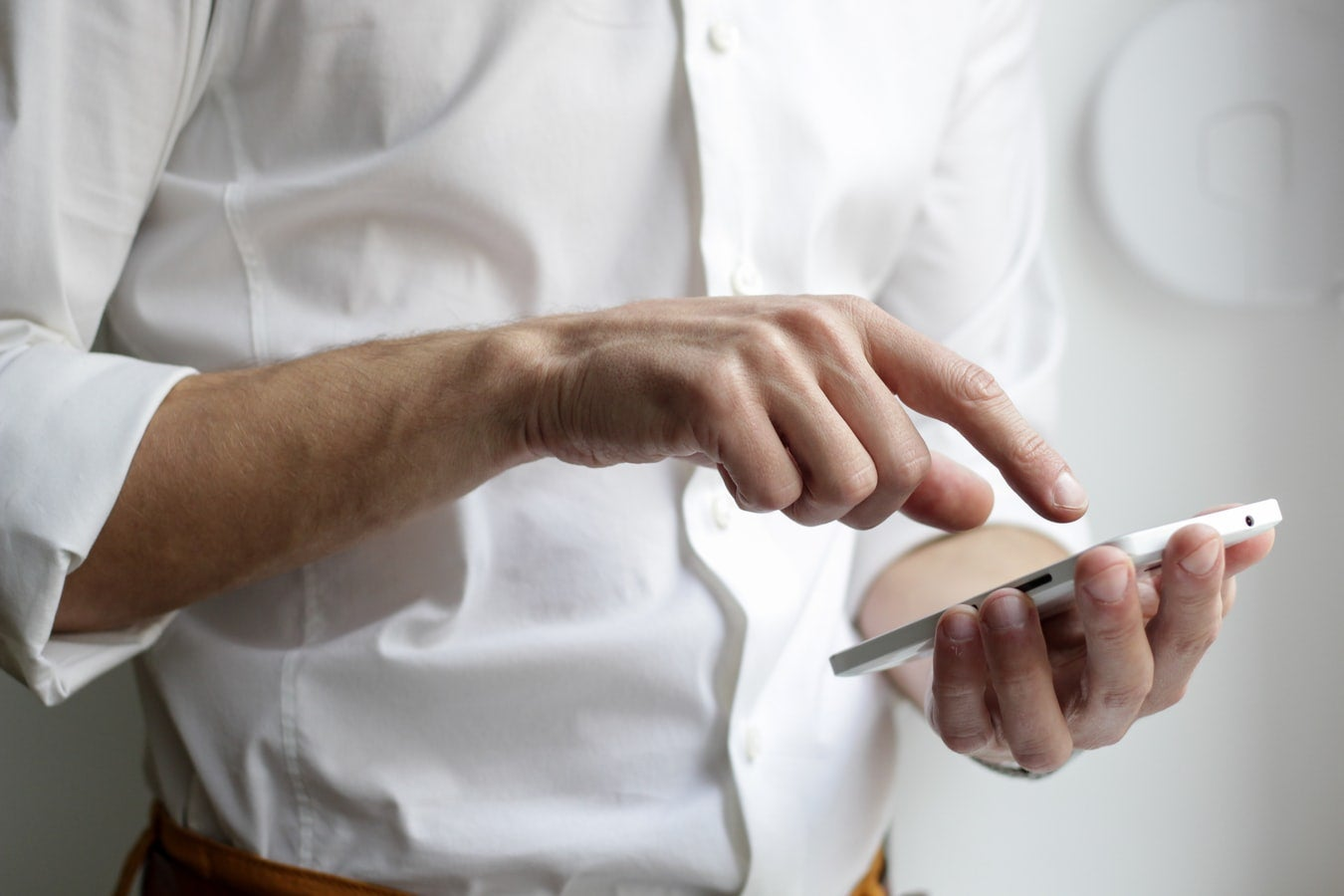 COVIDSafe app – can I direct my workers to download the app to their mobile devices?